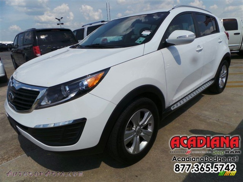 2013 kia sportage lx in clear white 371793 autos of asia japanese and korean cars for sale. Black Bedroom Furniture Sets. Home Design Ideas