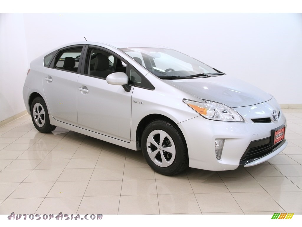2013 Toyota Prius Three Hybrid In Classic Silver Metallic