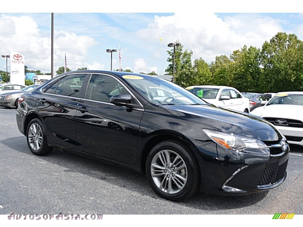 2015 toyota camry se in attitude black metallic 069167 autos of asia japanese and korean. Black Bedroom Furniture Sets. Home Design Ideas