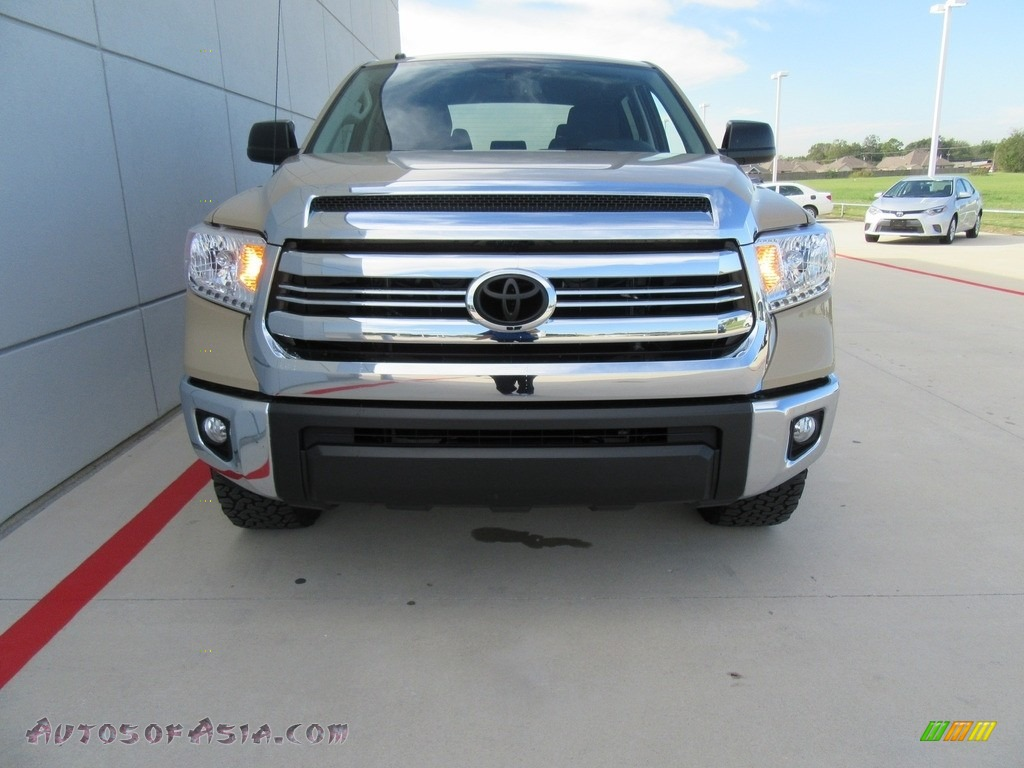 2017 toyota tundra sr5 tss off road crewmax in quicksand photo 8 216317 autos of asia. Black Bedroom Furniture Sets. Home Design Ideas