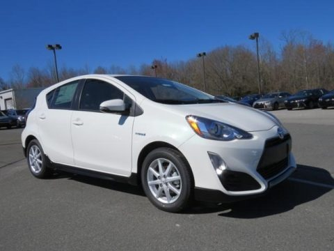 Moonglow 2017 Toyota Prius c One