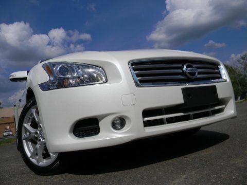 Pearl White 2014 Nissan Maxima 3.5 SV Premium