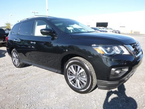 Magnetic Black 2018 Nissan Pathfinder SV 4x4