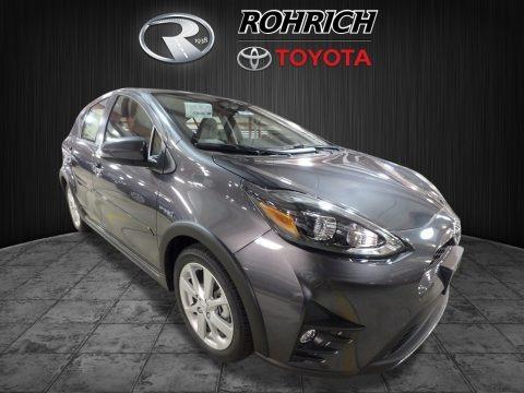 Magnetic Gray Metallic 2018 Toyota Prius c Four
