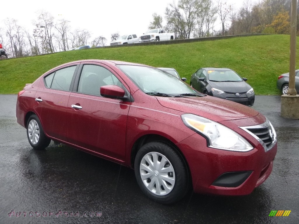 2017 Versa SL - Cayenne Red / Charcoal photo #1