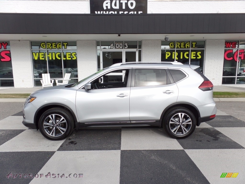 Brilliant Silver / Charcoal Nissan Rogue SL AWD