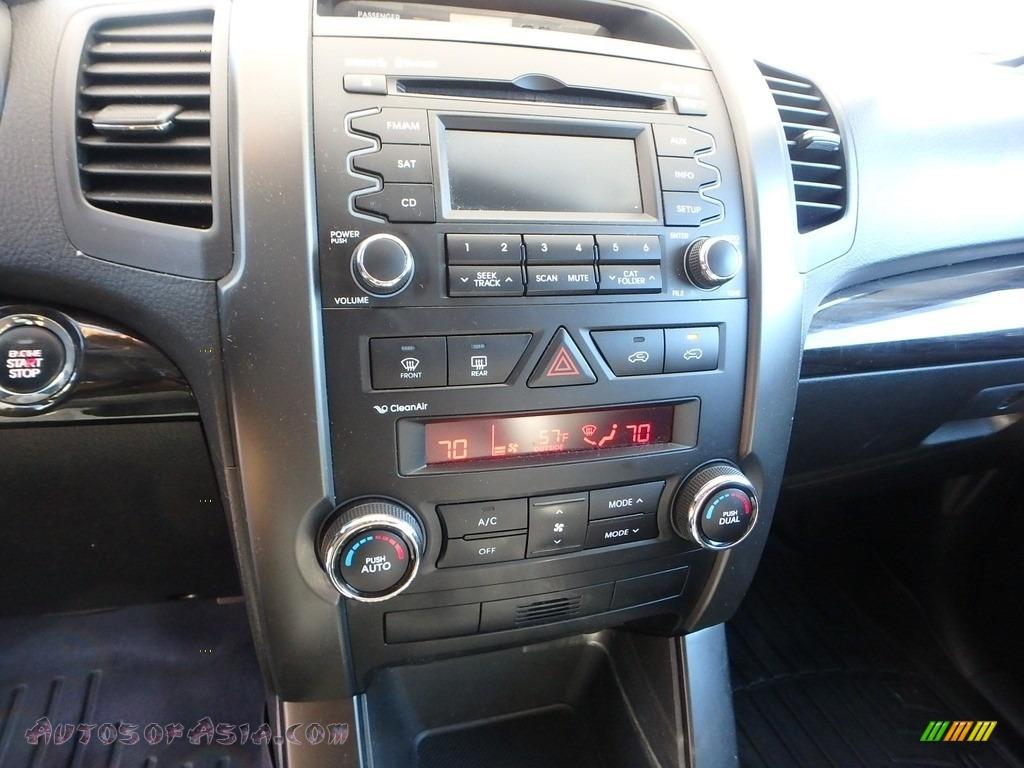 2011 Sorento EX AWD - Titanium Silver / Black photo #13
