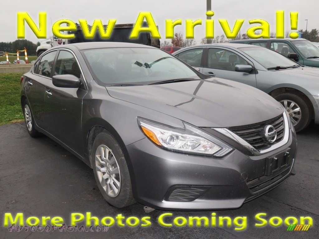 Brilliant Silver / Charcoal Nissan Altima 2.5 S