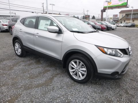 Brilliant Silver 2017 Nissan Rogue Sport S AWD