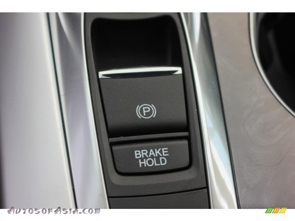 2018 TLX V6 Technology Sedan - Bellanova White Pearl / Ebony photo #32