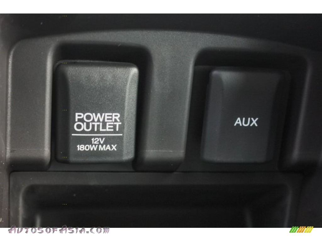 2018 TLX V6 Technology Sedan - Bellanova White Pearl / Ebony photo #35