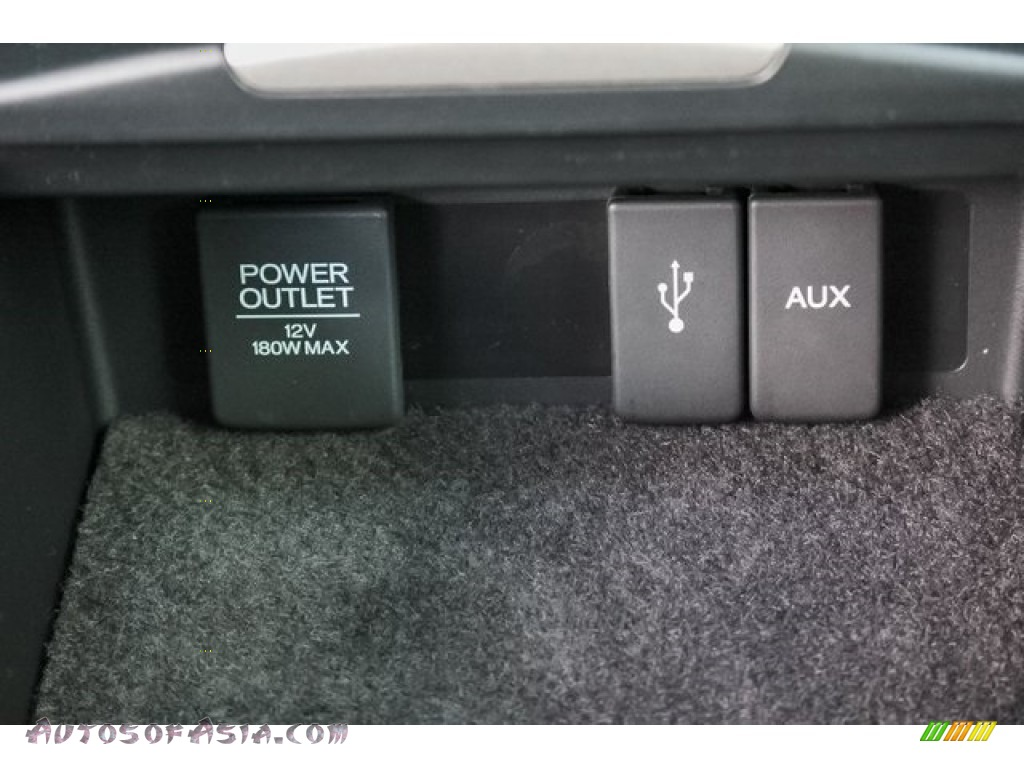 2018 RDX AWD Advance - Modern Steel Metallic / Ebony photo #40