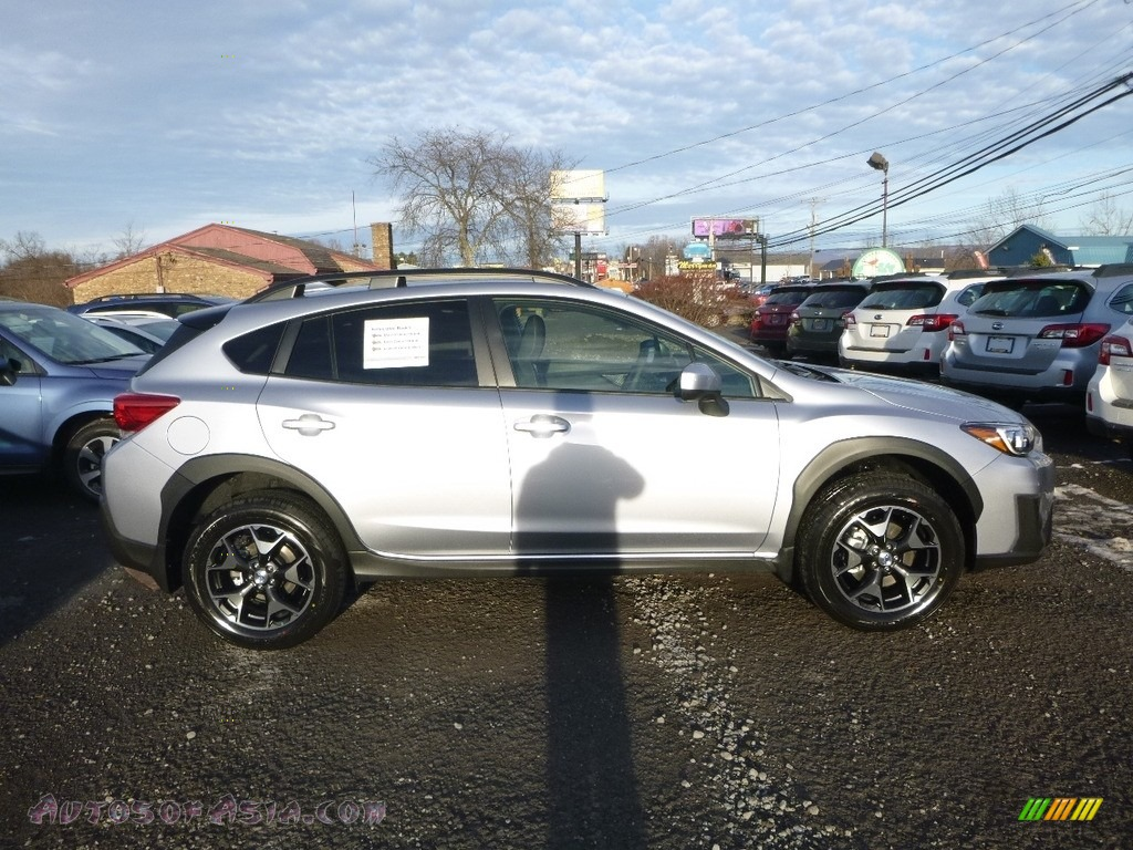 2018 Crosstrek 2.0i Premium - Ice Silver Metallic / Black photo #3