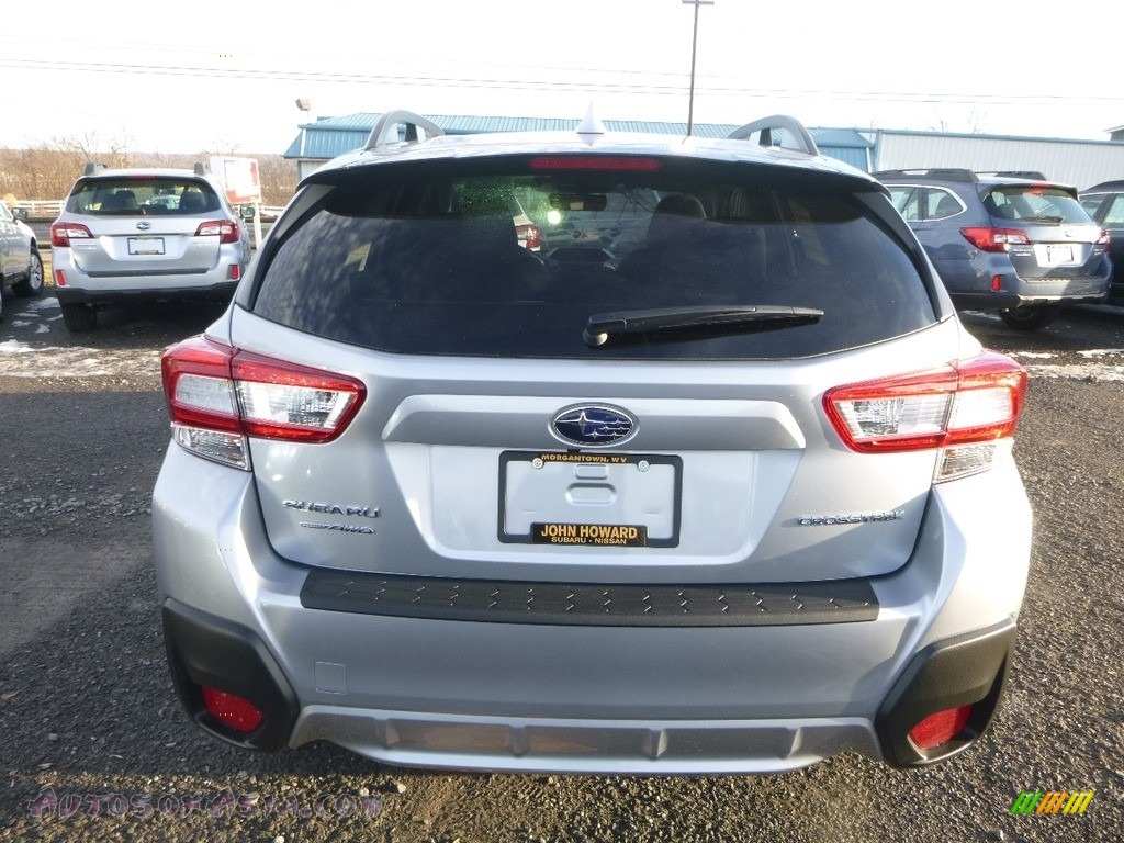 2018 Crosstrek 2.0i Premium - Ice Silver Metallic / Black photo #5