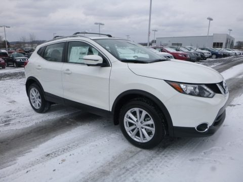 Pearl White 2018 Nissan Rogue Sport SV AWD