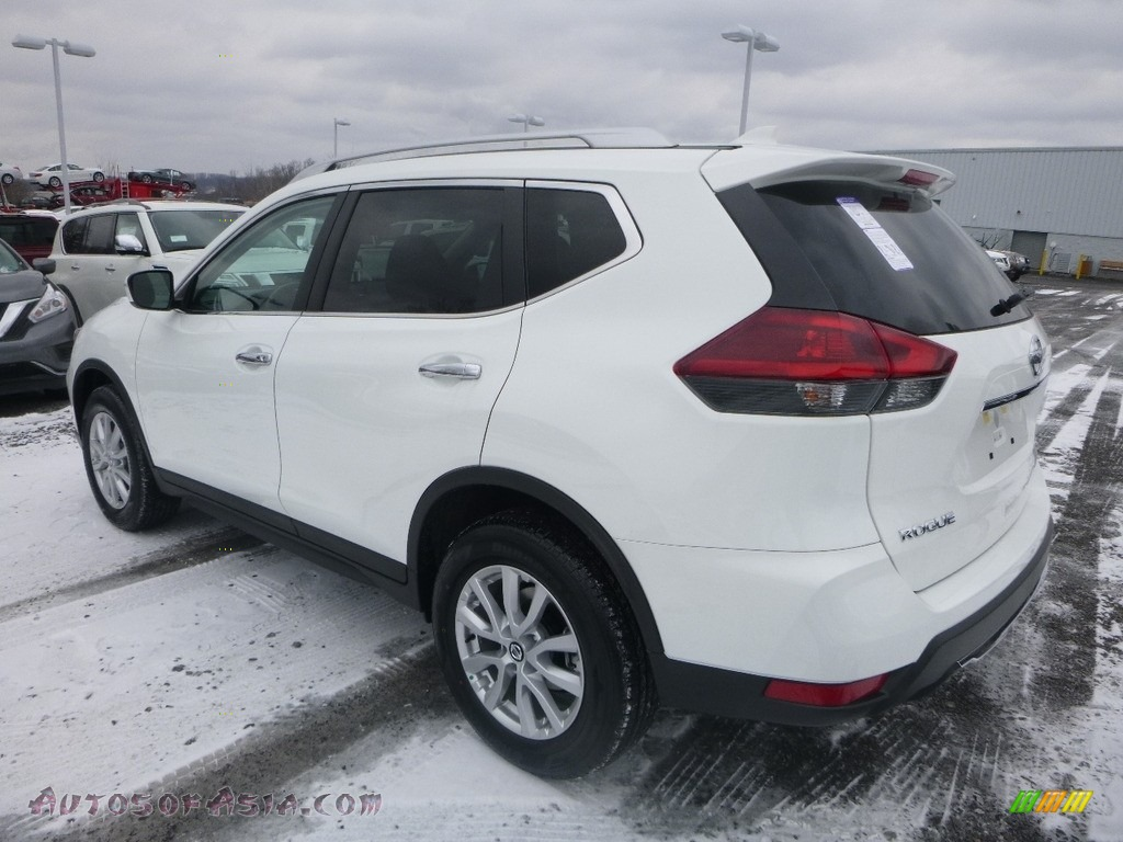2018 Rogue SV AWD - Glacier White / Charcoal photo #6