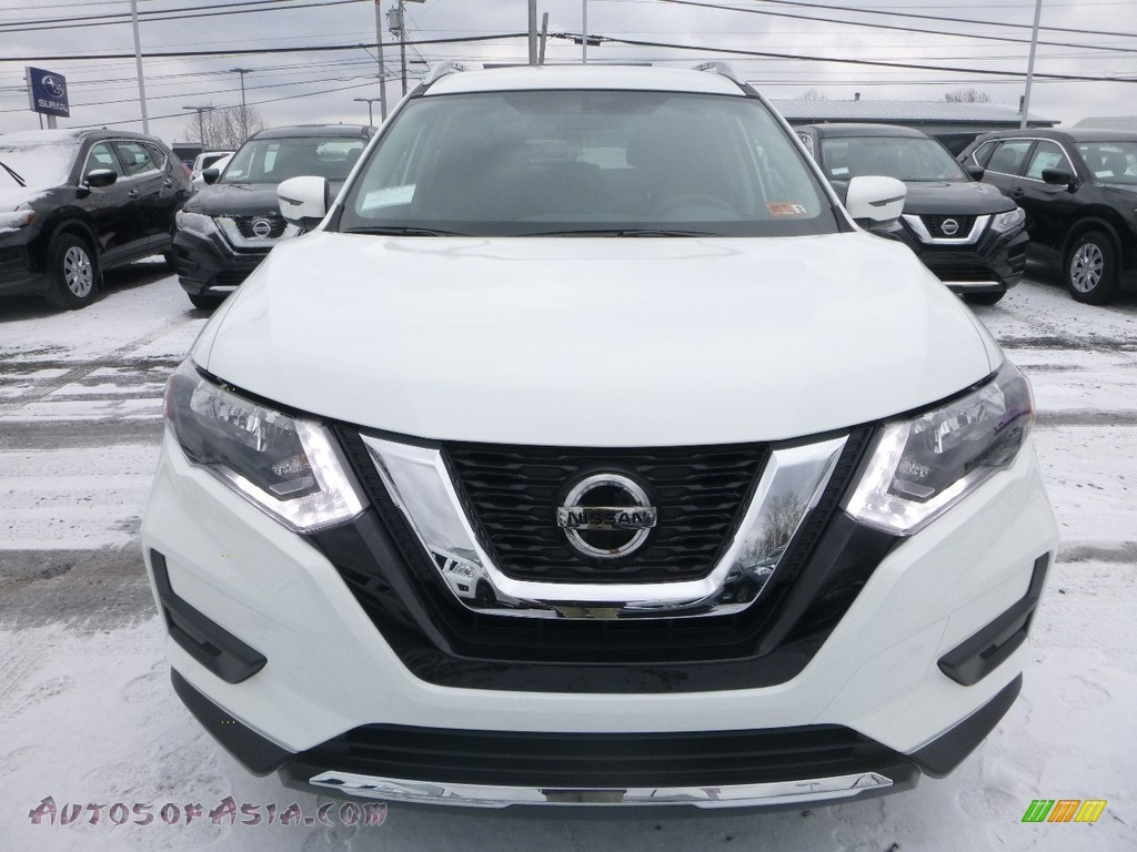 2018 Rogue SV AWD - Glacier White / Charcoal photo #9