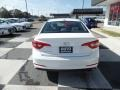 Hyundai Sonata SE Quartz White Pearl photo #4