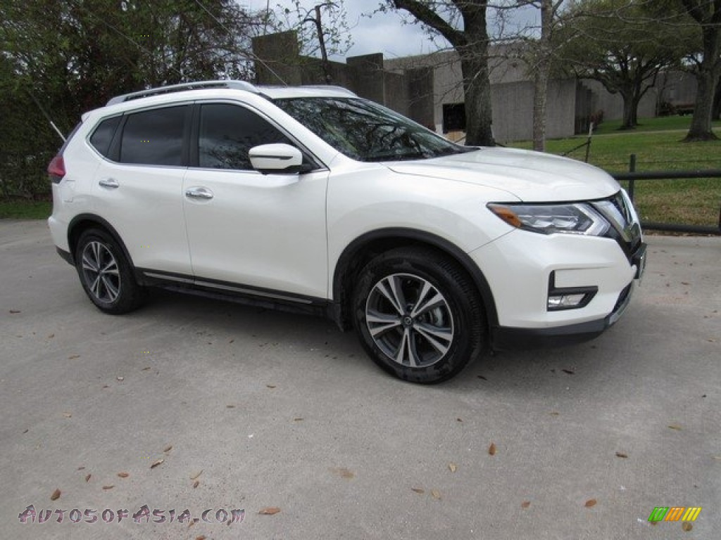 2017 Rogue SL - Pearl White / Charcoal photo #1