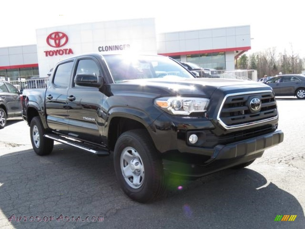 2018 Tacoma SR5 Double Cab - Midnight Black Metallic / Black/Caramel photo #1