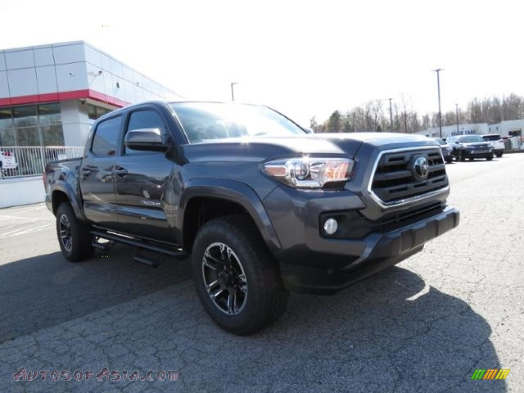 Magnetic Gray Metallic / Cement Gray Toyota Tacoma SR5 Double Cab