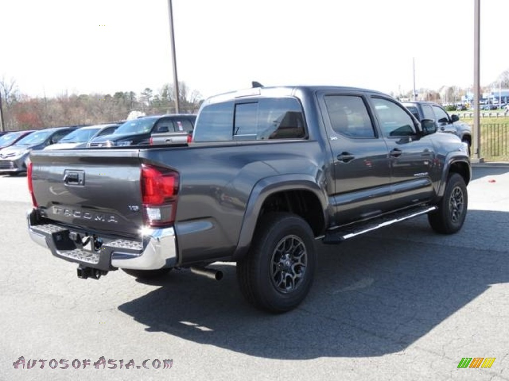 2018 Tacoma SR5 Double Cab - Magnetic Gray Metallic / Cement Gray photo #24