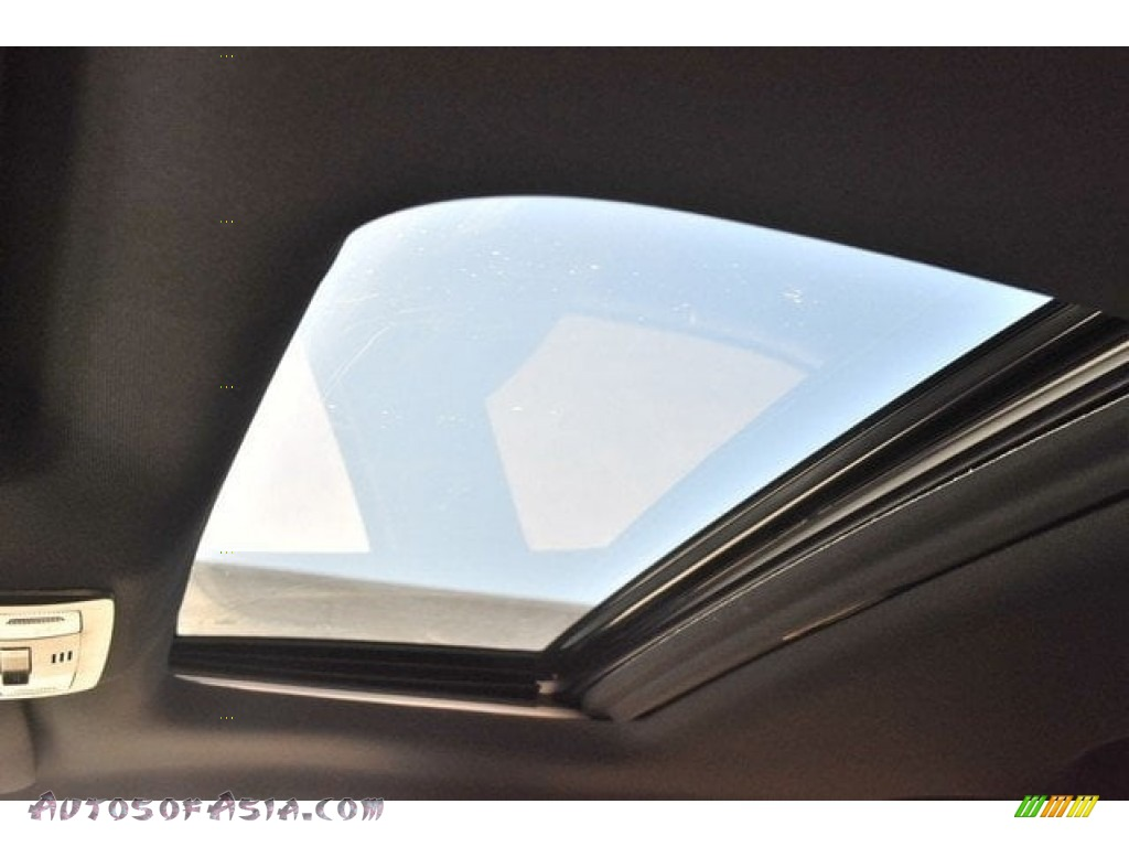 2018 Tacoma Limited Double Cab 4x4 - Super White / Black photo #9