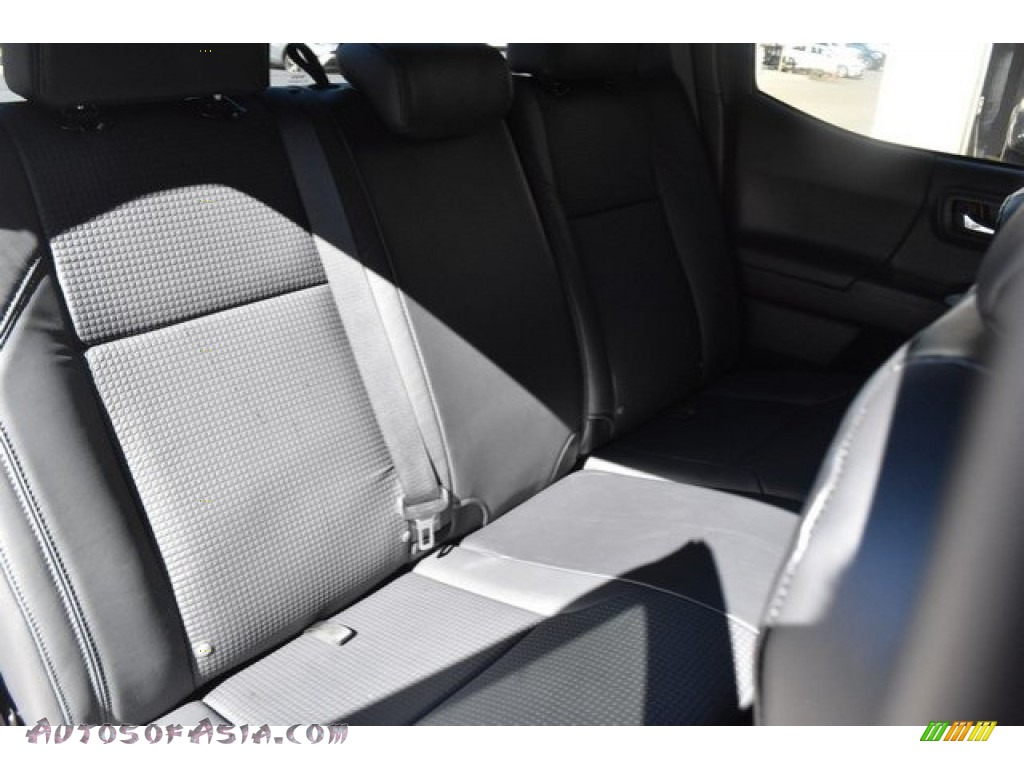 2018 Tacoma Limited Double Cab 4x4 - Super White / Black photo #19
