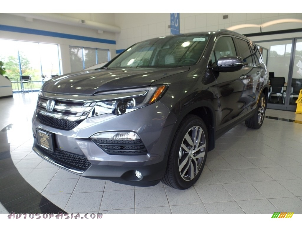 2018 Pilot Touring AWD - Modern Steel Metallic / Gray photo #1