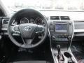 Toyota Camry SE Super White photo #10