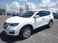 Nissan Rogue S AWD Glacier White photo #8