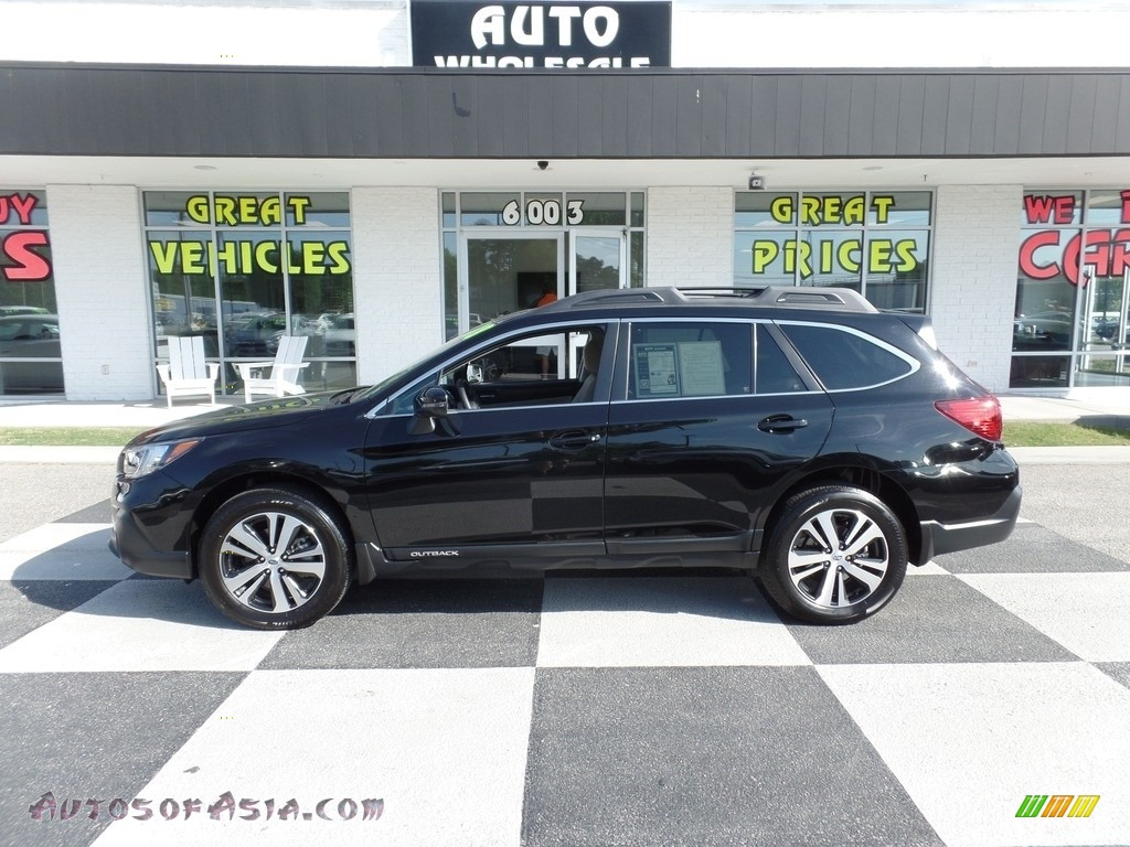 2018 Outback 3.6R Limited - Crystal Black Silica / Ivory photo #1