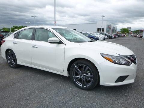 Pearl White 2018 Nissan Altima 3.5 SL
