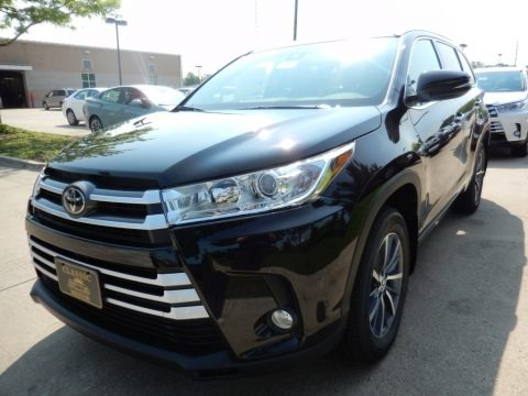 Midnight Black Metallic 2018 Toyota Highlander XLE AWD