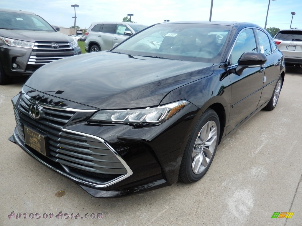 Brownstone / Gray Toyota Avalon XLE