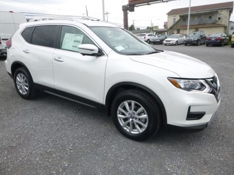Pearl White 2018 Nissan Rogue SV AWD