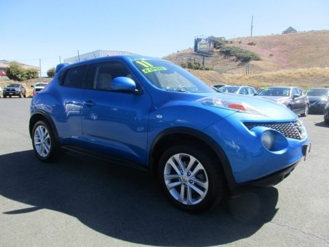 Electric Blue 2011 Nissan Juke SV