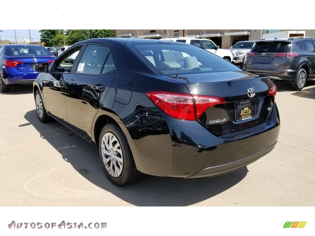2019 Corolla LE - Black Sand Pearl / Ash/Dark Gray photo #2