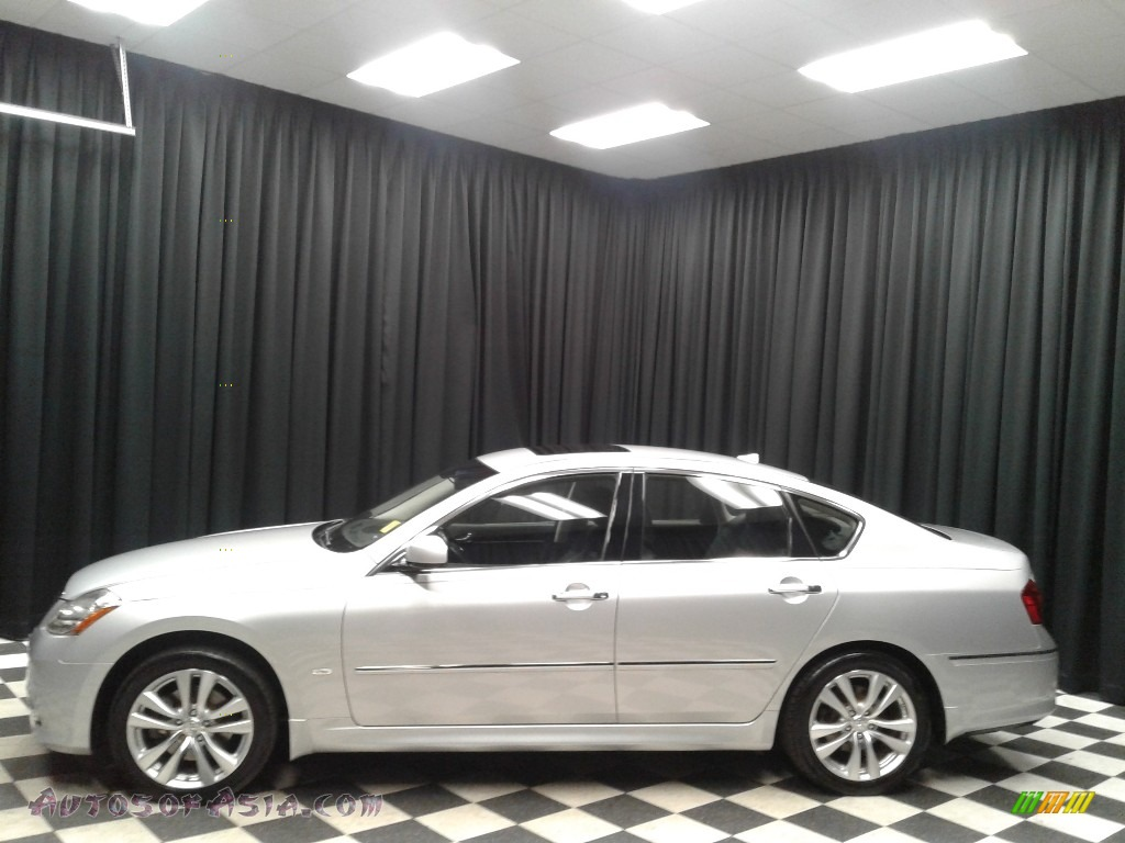 2010 M 35x AWD Sedan - Liquid Platinum / Graphite photo #1