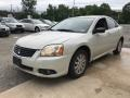 Mitsubishi Galant ES Dover White Pearl photo #2