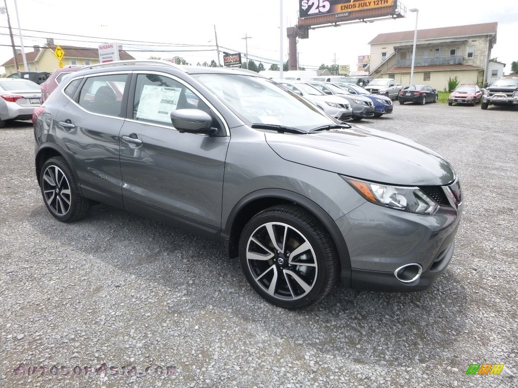 Gun Metallic / Charcoal Nissan Rogue Sport SL AWD