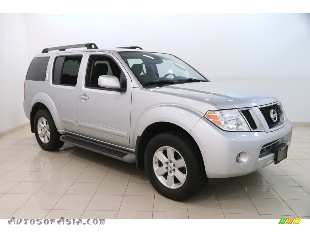 2011 Pathfinder SV 4x4 - Silver Lightning / Graphite photo #1