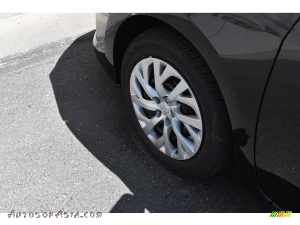 2019 Corolla LE - Black Sand Pearl / Ash/Dark Gray photo #32