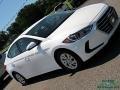 Hyundai Elantra SE White photo #28
