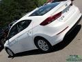 Hyundai Elantra SE White photo #30
