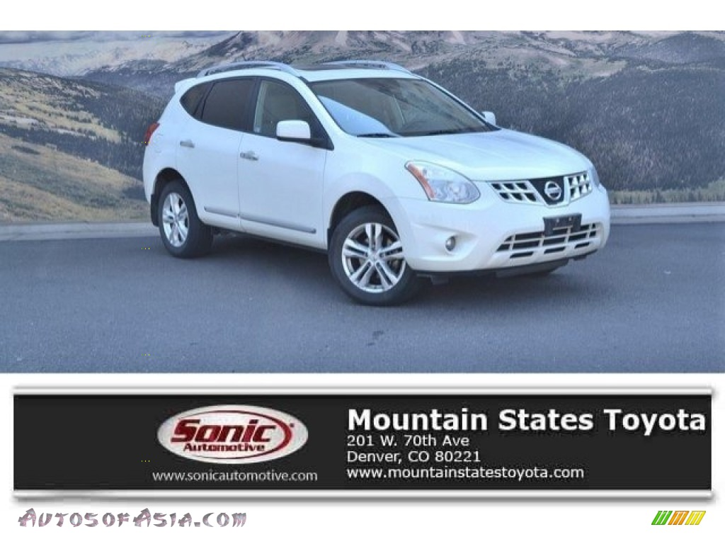 2012 Rogue SV AWD - Pearl White / Gray photo #1