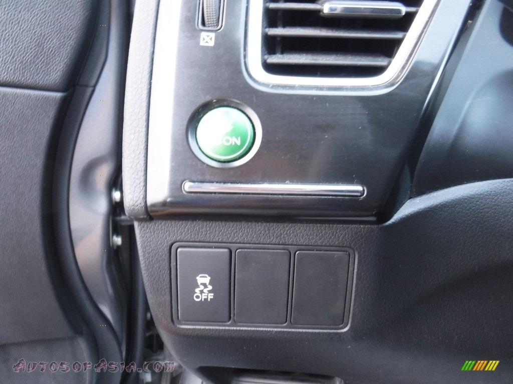 2013 Civic LX Sedan - Polished Metal Metallic / Black photo #11