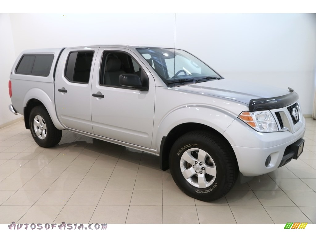 2012 Frontier SV Crew Cab 4x4 - Brilliant Silver Metallic / Steel photo #1