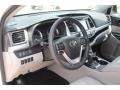 Toyota Highlander XLE Blizzard White Pearl photo #13