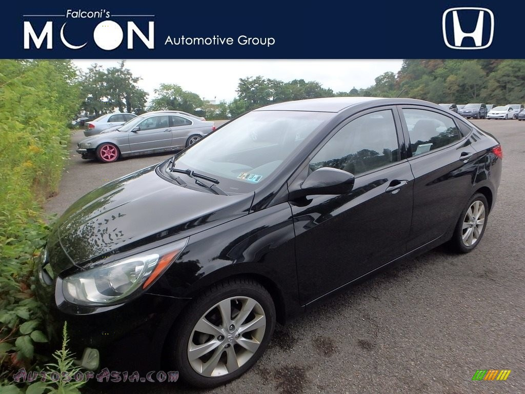 2012 Accent GLS 4 Door - Ultra Black / Gray photo #1